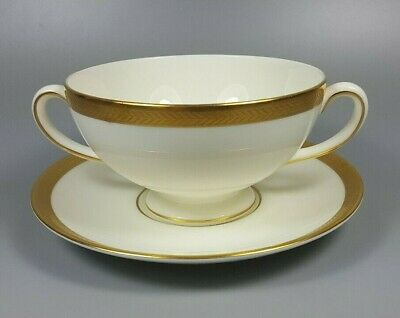WEDGWOOD SENATOR CREAM SOUP COUPE / CUP AND SAUCER (PERFECT) Cream Soup Cup