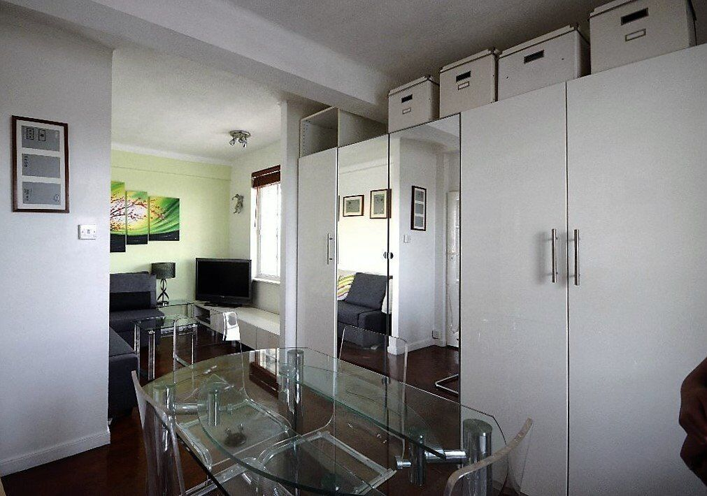 A modern and large studio flat with separated kitchen in Shepherds Bush Road - W6