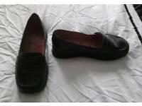 Ladies size 5 Schuh shoes