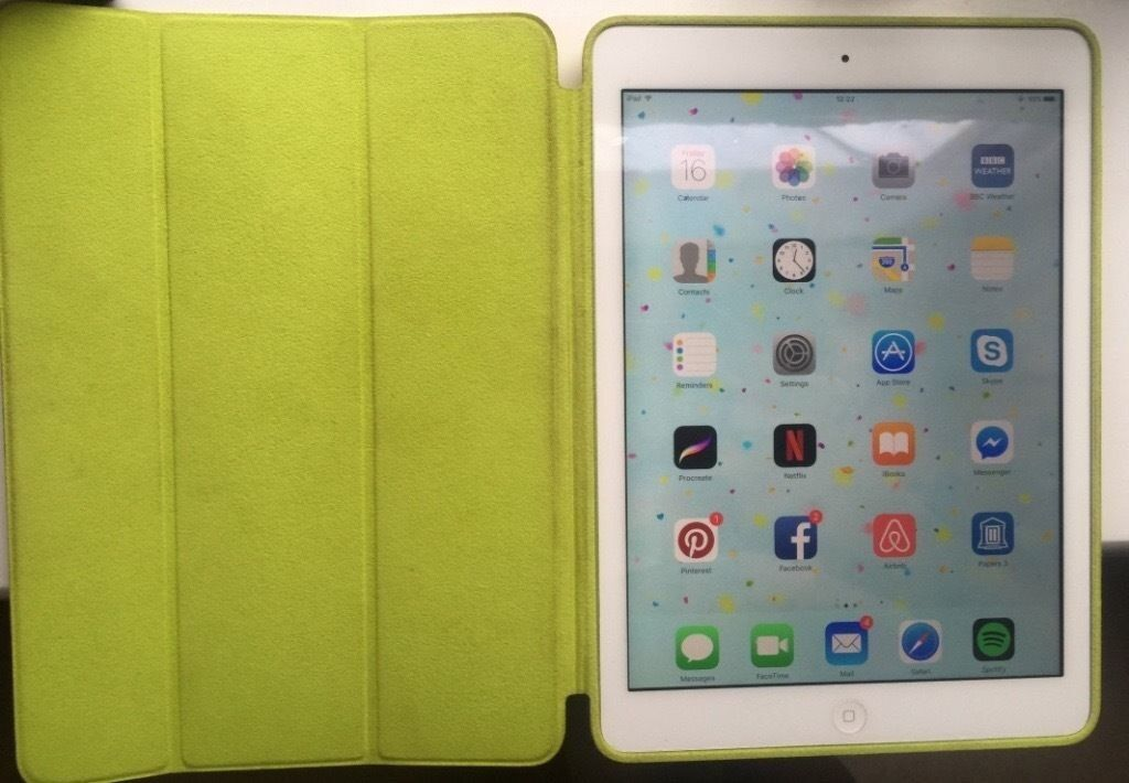 iPad air, 32GB in an excellent conditionin Lewisham, LondonGumtree - iPad air, 32gb, white, with original accessories and an original apple smart case (lime colour) serious buyers only