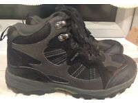 Regatta Men's Walking Boots size 7