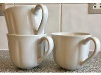 Moving Sale: Oversized Coffee / Tea Mugs 3 white, 2 black