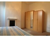 ==WONDERFUL DOUBLE BEDROOM IN WELL LOCATED FLAT