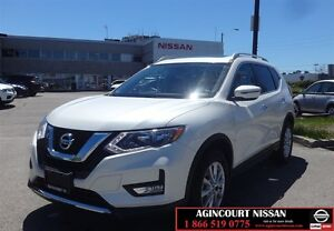 2017 Nissan Rogue SV AWD |Moon Roof| Camera|Low Ks|