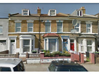 4 BED HOUSE WITH 2 RECEPTION ROOMS AND GARDEN, 2 MINUTES WALKING FROM BOUNDS GREEN STATION !!!