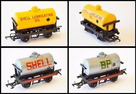 Triang model railway OO gauge rolling stock items - will interest collector