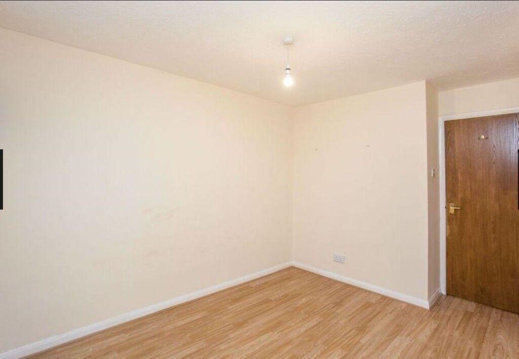 Two Bed House To Rent Uxbridge Close To Brunel Hillingdon Hospital
