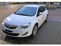 Vauxhall Astra 1.4 i VVT 16v Excite 5dr. LOW Milleage. Full service history. HPI clear. MOT.
