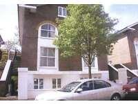2 bedroom flat in Lanark Road, Maida Vale