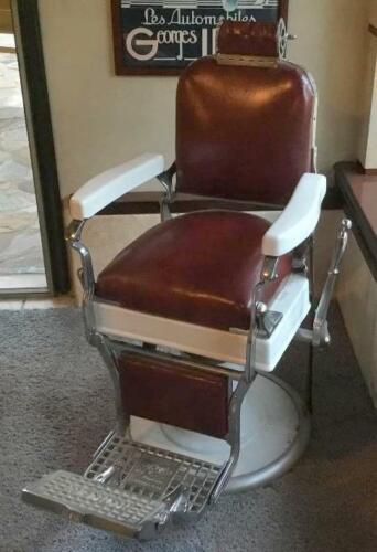 Very nice Antique/Vintage Koken Barber Chair - Restored - SN # 167188