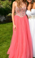 ROBE DE BAL PROM DRESS DAVE & JOHNNY 7707 TAILLE 0 , 280$ NEGO