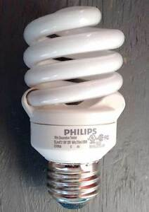 CFL energy saving bulbs. 38 pcs. Various light shades. Working.