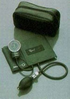 Tycos Pocket Aneroid Sphygmomanometer Wadult Cuff Durable Design 13.5oz Model 5