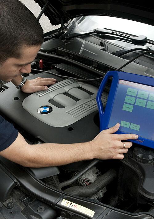 BMW specialist technician auto electrician mobile mechanic ...