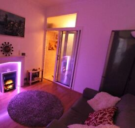 1bedroom flat reduce for quick letting £ 1100 pm