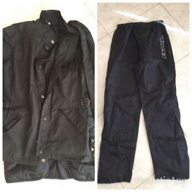 Tucano Urbano scooter jacket and over trousers