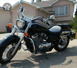 2006 Honda Shadow Aero low km and lots of extras