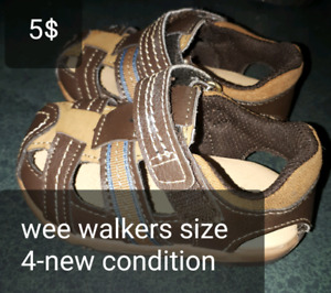 Wee walkers. New condition size 4