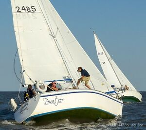 Hunter 28.5 Sailboat - SV Privateer