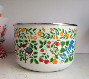 Vintage Kobe Kitchen Enamel Folk Art Bowl