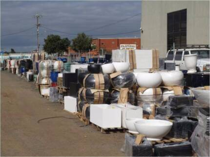 PLANT POTS 30-50% OFF GARDEN PLANTER WATER FEATURES FISH PONDS Hoppers Crossing Wyndham Area Preview