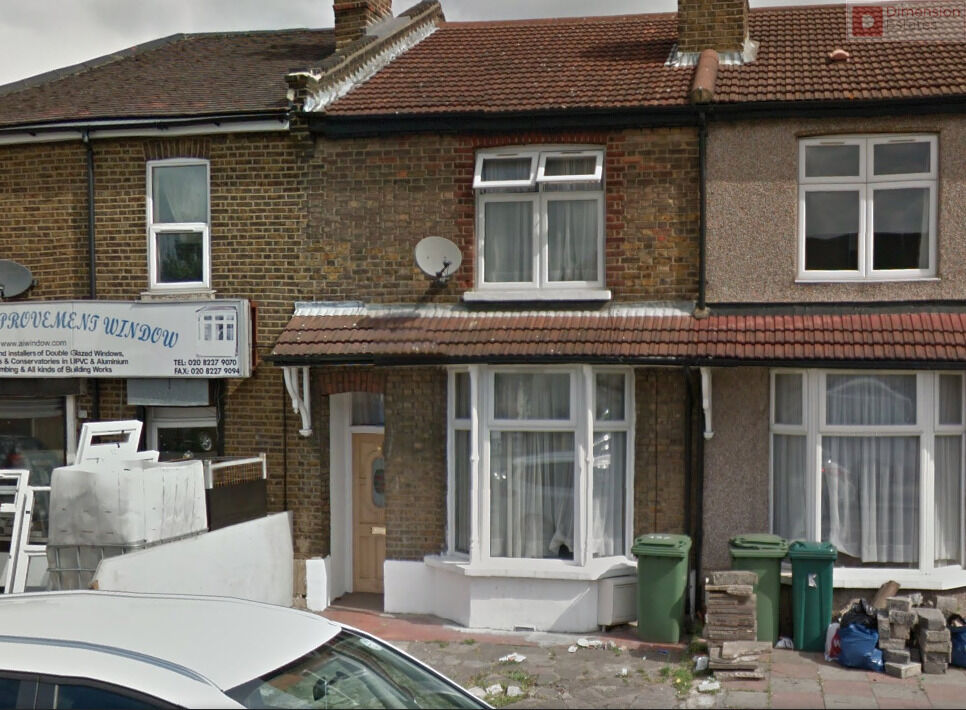 Gorgeous Four Bed House + Garden + Driveway --- Green Lane Ilford IG1 1XW --- Available 17/11/2016!!