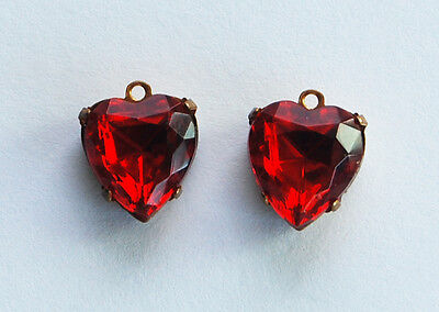 VINTAGE 2 FACETED GLASS HEART BEAD PENDANTS DROP CHARM BEADS RUBY RED • 11mm