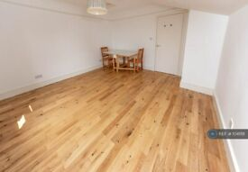 2 bedroom flat in Cranwich Road, Manor House, Stoke Newington, Stamford Hill, N16 (2 bed) (#1041118)