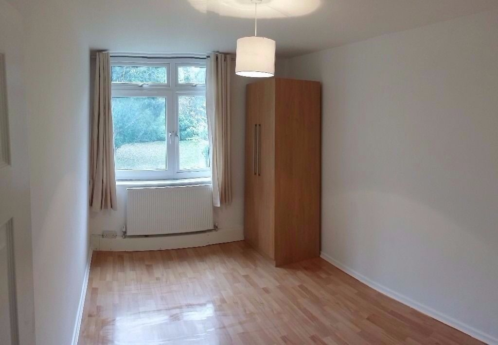 Second Floor Two Bedroom Apartment in The Heart of Earlsfield