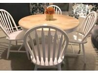 Lovely shabby chic dining table and 4 chairs