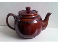 Large Traditional Vintage Teapot VGC