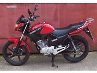 Yamaha YBR 125 2014 RED 1060 miles excellent runner , 1 owner