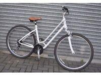 "Ladies Bicycle : Giant Cypress : White Hybrid Bike. Suspension 18"""