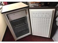 Under Worktop Freezer, Hotpoint Slimline