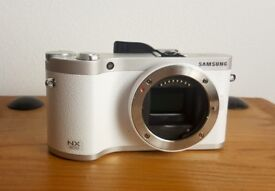 Samsung NX300 camera - White - (Body Only) + accessories