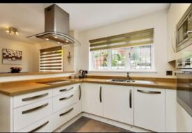 Executive ensuite room to rent to let easy commute Edinburgh close to train station