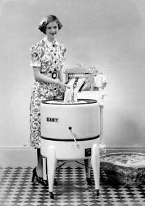 1940's Vintage Easy Ringer Washer Refrigerator / Tool Box Magnet