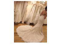 Pronovious wedding dress - size 8