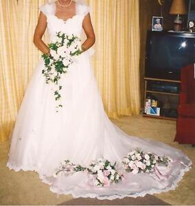 BEAUTIFUL IVORY BEADED WEDDING DRESS ONLY WORN ONCE!