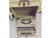 Retro Type Writer