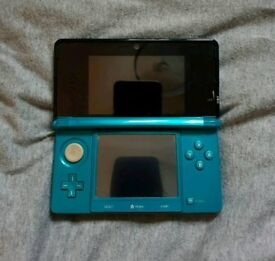 Nintendo 3ds with game
