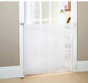 Baby Gate, White (Bily BG370018 Retractable)