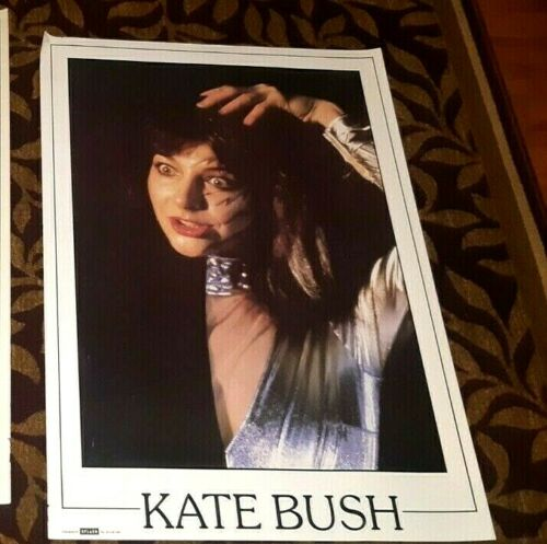 KATE BUSH EARLY 80S UK SPLASH POSTER IN INTENSE ON STAGE POSE NICE!
