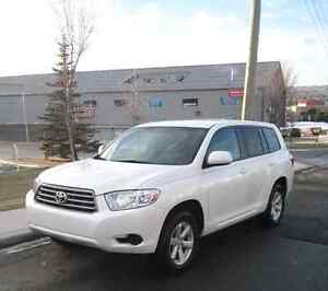 2010 Toyota Highlander AWD *lowest price in province*