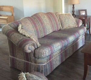 Couch and loveseat Sarnia Sarnia Area image 2