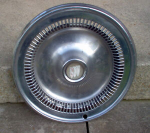 1976 1977 1978 1979 BUICK WHEELCOVER  HUBCAP