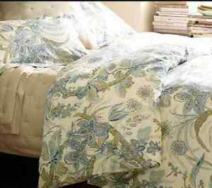 Queen Pottery Barn Duvet and Shams
