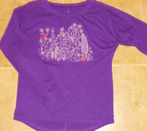 Size 9-10 - Roots Kids Long Sleeve Graphic Top