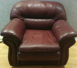 Single Seater Leather Couch/Sofa $50