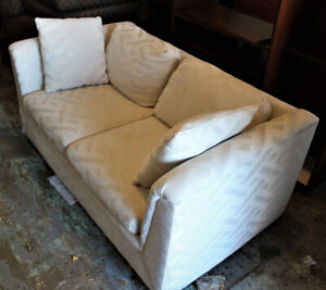 EXCELLENT CONDITION LOVESEAT